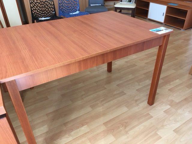 Jedálenský stôl - Cena po zľave 148 EUR (3 840 Kč)