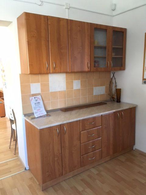 Kuchynská linka s pracovnou deskou - Cena po zľave 490 EUR (12 740 Kč)